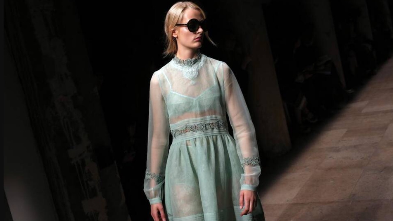 5-the-paris-collections-kicked-off-with-an-abundance-of-a-rich-colorful-5